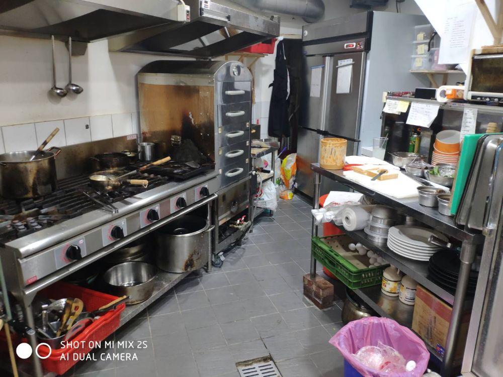 廚房設備應有盡有
